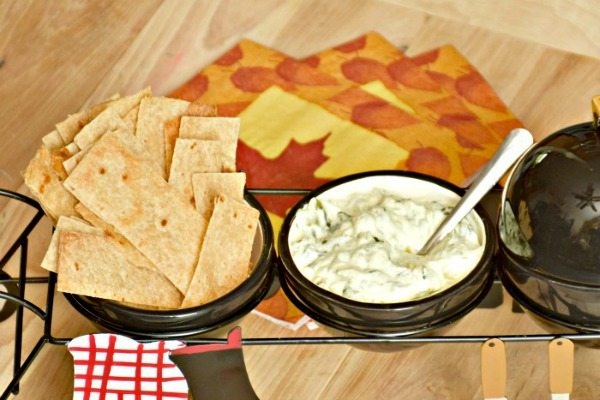 Hot Spinach Artichoke Dip from A Proverbs 31 Wife