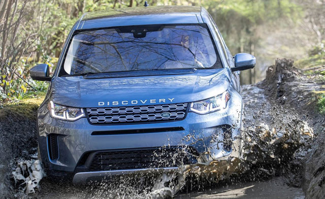 2020 Land Rover Discovery Sport revealed - motoring.com ...