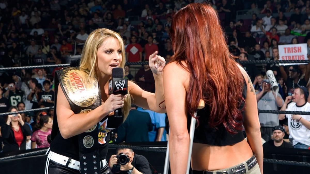 Trish Stratus compara sua feud com Lita com a feud entre Steve Austin e The Rock