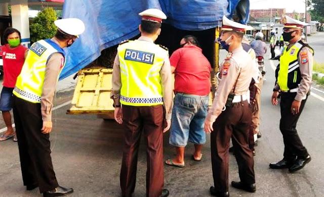 Polisi Buru Jasa Penyelundupan Pemudik ke Kampung Halamannya