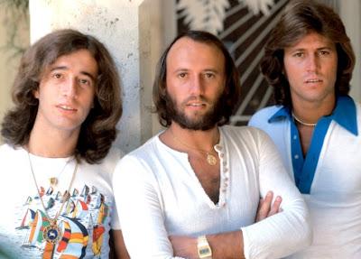 Foto de Bee Gees con cabello largo