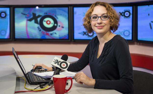 Un hombre armado irrumpe en una radio de Rusia y apuñala a una periodista