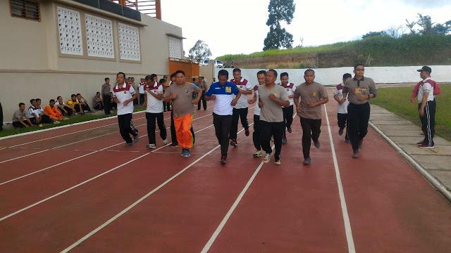 Polres Lambar Pantau Pelaksanaan Latihan Jasmani Dalam Persiapan Mengikuti SIP