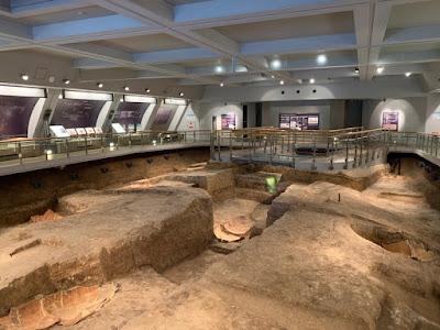 北墳丘墓の内部