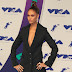 Joan Smalls marca presença no MTV Video Music Awards 2017 no The Forum em Inglewood, Califórnia - 27/08/2017