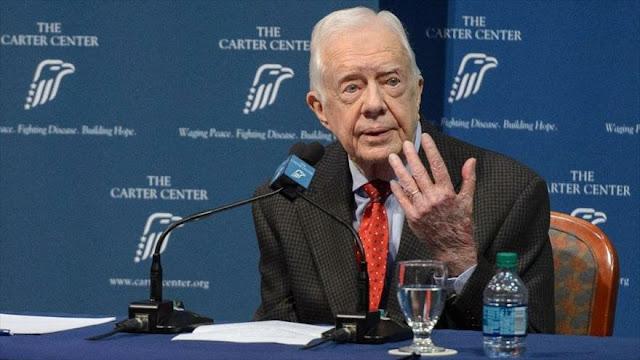 """Carter llama a Trump un """"presidente ilegítimo"""" por la trama rusa"""