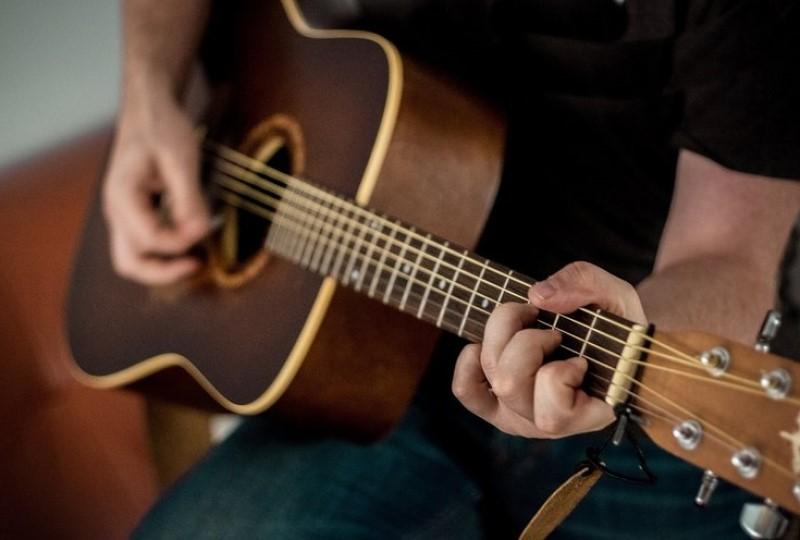 Tips Belajar Gitar untuk Pemula