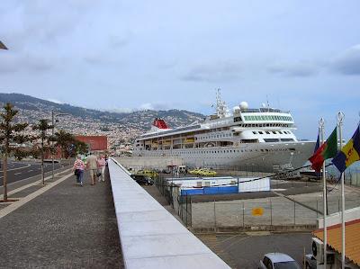 Puerto de Funchal, Madeira, Portugal, La vuelta al mundo de Asun y Ricardo, round the world, mundoporlibre.com