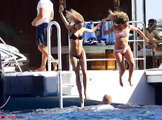 Kimberly Garner sexy Cleavages Huge ass thong Bikini WOW must see Ass July 2017 Most beautiful ass ever