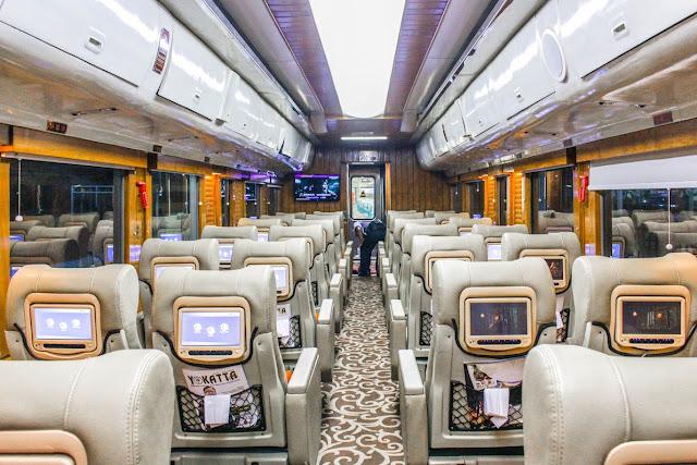 interior kereta priority argo parahyangan