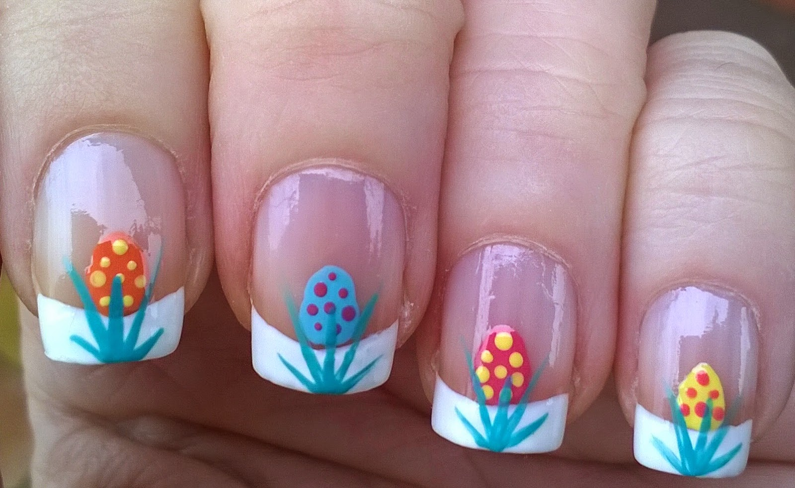 Life World Women: French manicure: Easter nail art design
