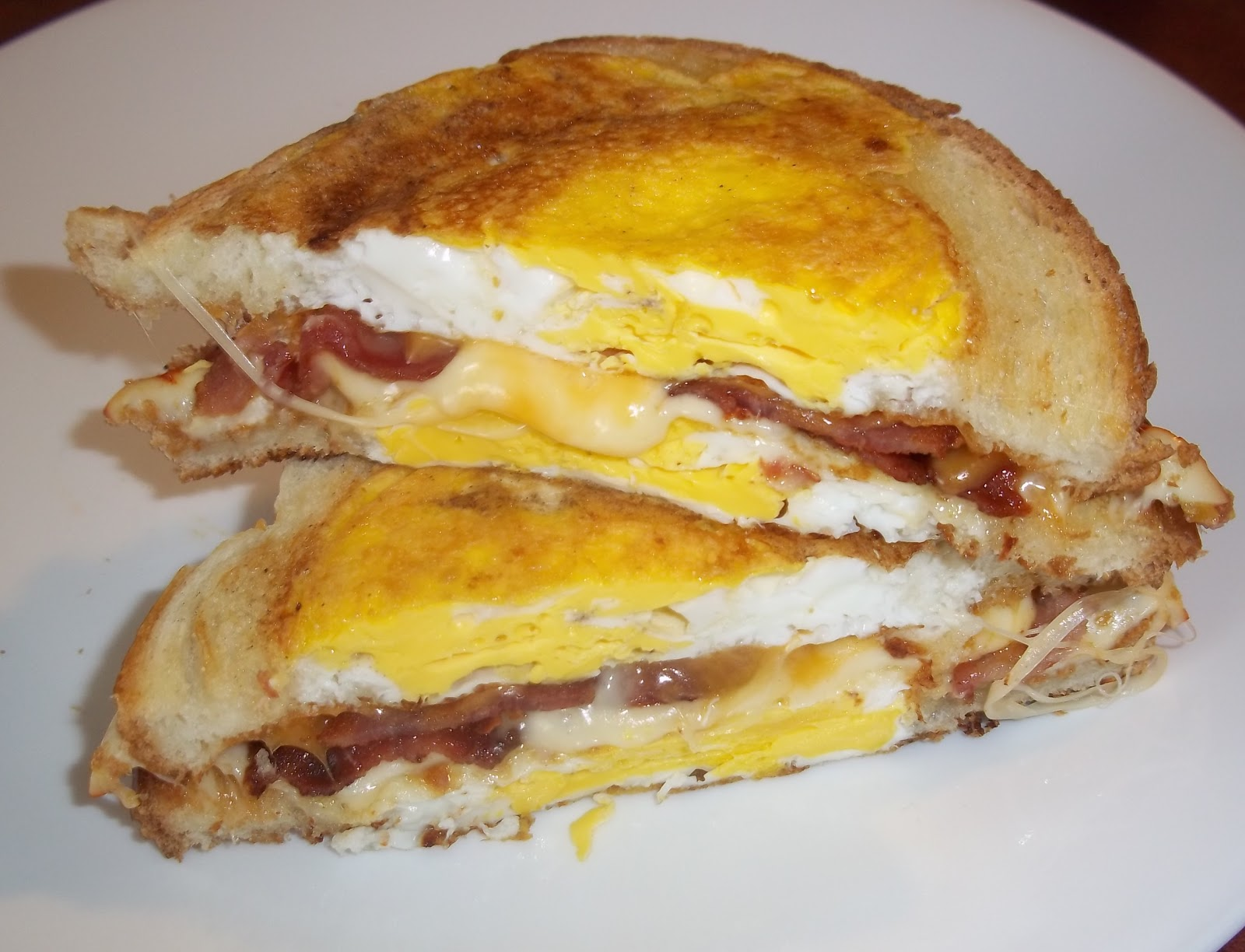 The Daily Smash: Crazy Cooking Challenge   Egg In A Hole Grilled Cheese