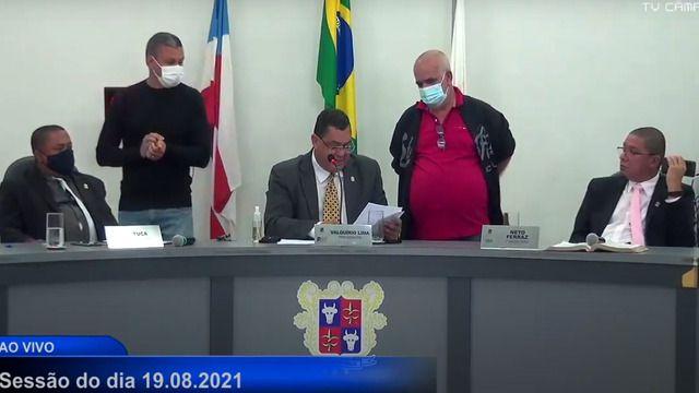 Vídeo expõe controle ameaçador do prefeito Hagge sob vereadores aliados