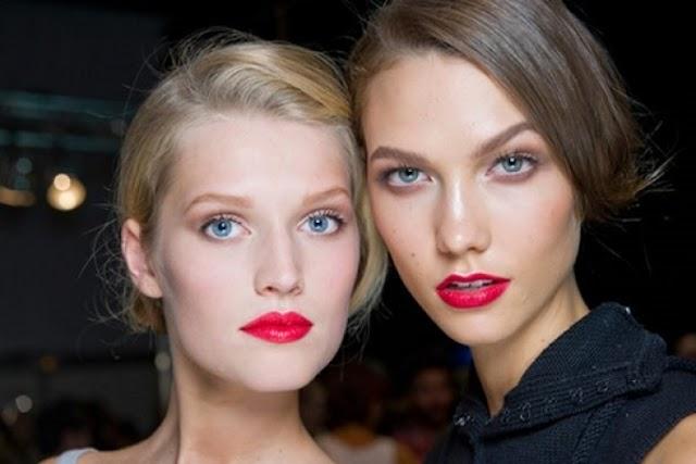 Tips για να φορέσετε σωστά το κόκκινο κραγιόν...!