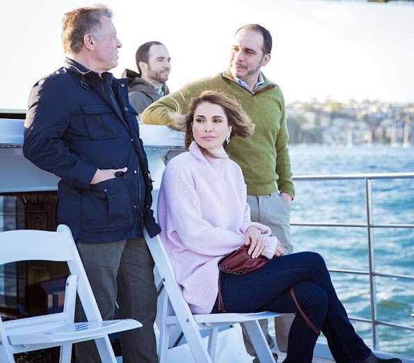 Queen Rania of Jordan visit the National Arboretum in Canberra, Queen wore Hugo Boss wool sweater, Prada handbags, Gianvito Rossi metalic gold shoes