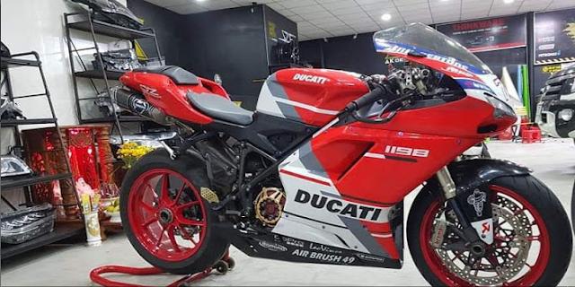 Sơn xe máy tem đấu Ducati cực đẹp
