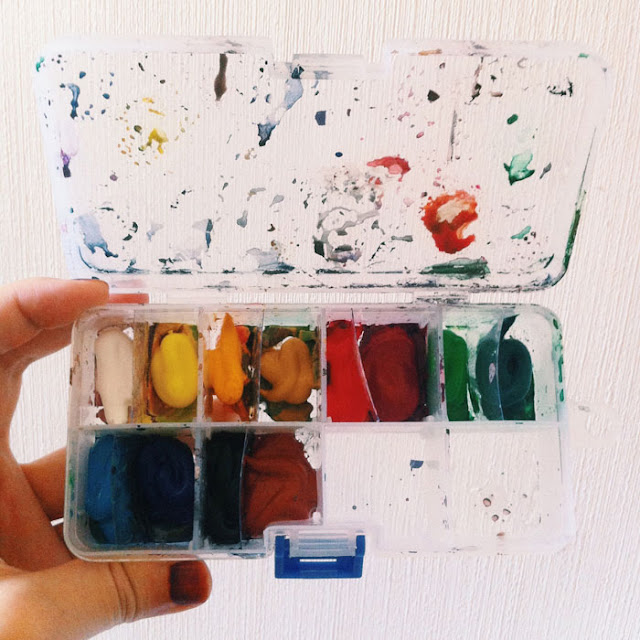 Kitty N. Wong /  DIY Rainbow Gouache Portable Paint Palette