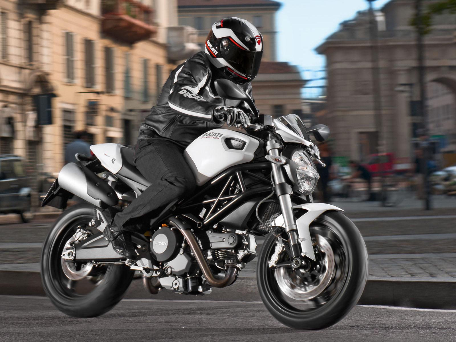 Ducati Monster 696 2012 Model Naked / Roadster Motor