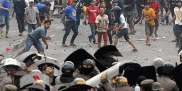 Konflik Sosial: Pengertian, Jenis, Penyebab, Dampak, dan Contoh