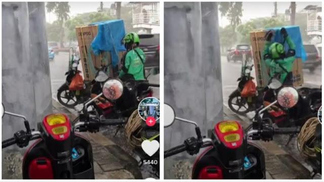 Perjuangan Diver Ojol Lindungi Barang Customer dari Hujan Bikin Netizen Terenyuh