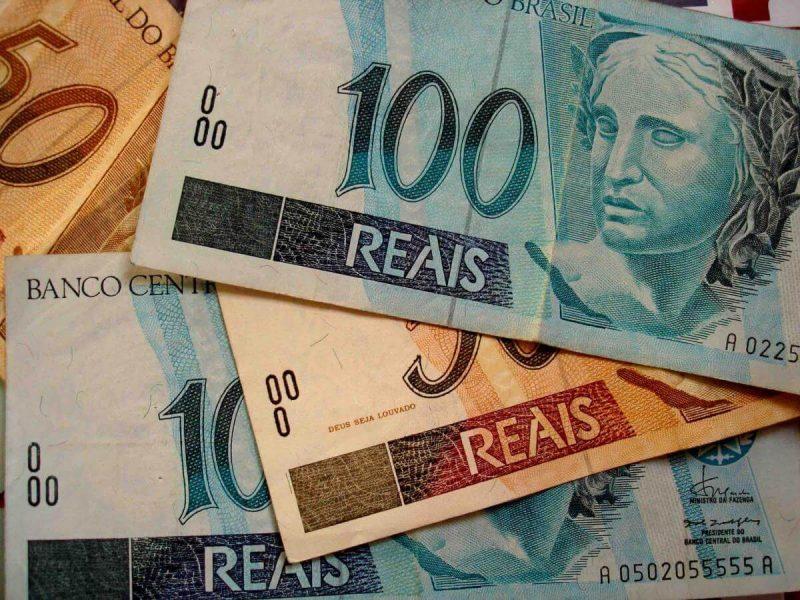 Governo antecipa 13º dos aposentados em duas parcelas; veja o calendário de pagamentos