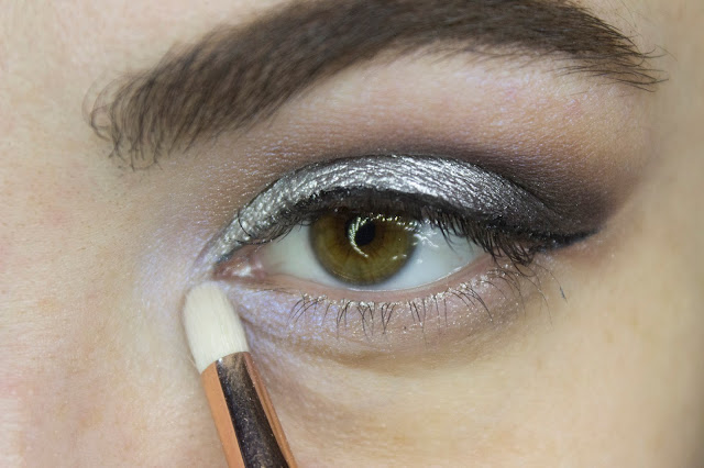 New year make-up 2018, step 9: Limoni Eye Shadow 203 - Frosty Waterwall