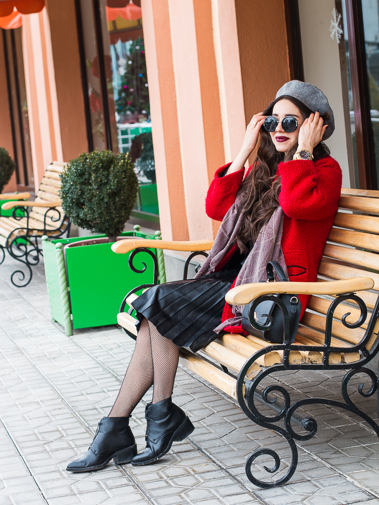 fashion blogger diyorasnotes red coat beret france style paris look pleated skirt shein