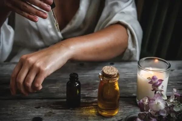 Best Essential Oils to Lower Blood Pressure