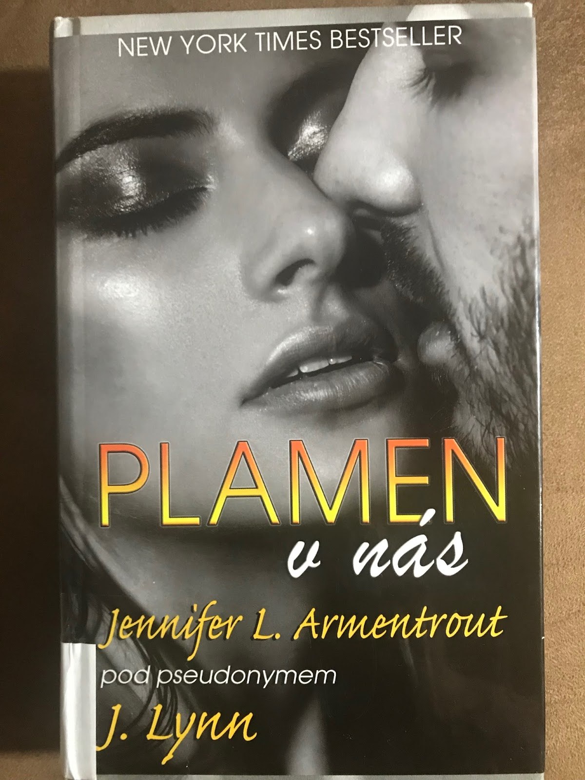 Zveřejněn byl jen její příspěvek v povídkové antologii Temnější odstíny Švédska.