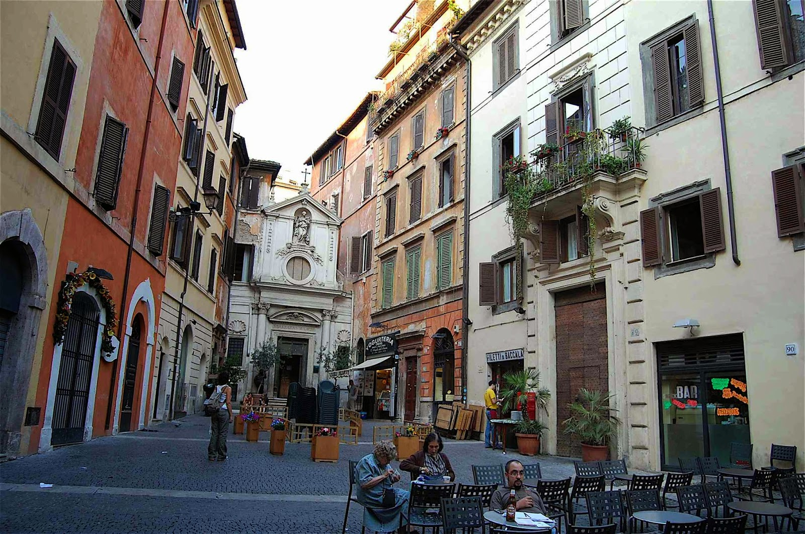 Compras em Roma  Melhores lojas e ruas  1b1c9c5192108