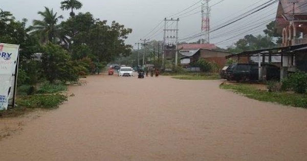 Bungus Teluk Kabung Banjir Ketinggian Air Mencapai 80 Centimeter Kupasonline Com