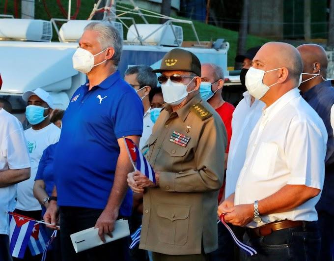 Raúl Castro no fue el que asistió al acto de reafirmación de la dictadura, sino un doble, porque está convaleciente de una cirugía de agrandamiento de mamas
