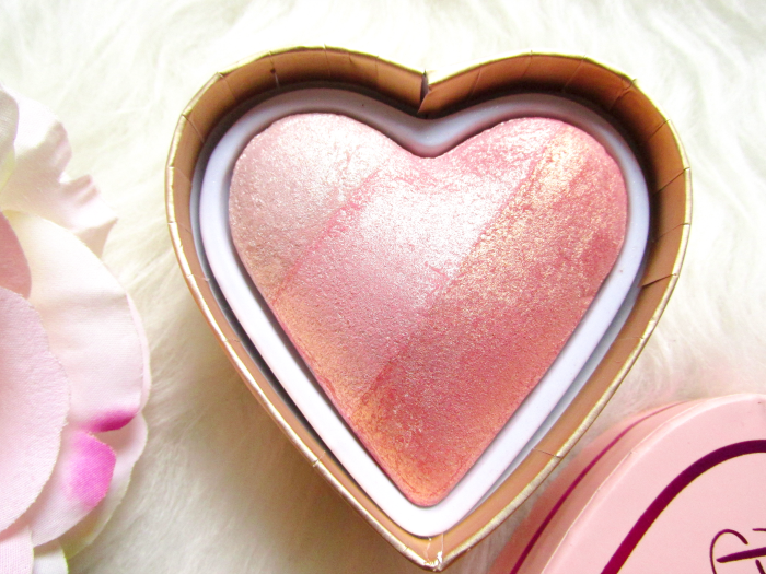 I Heart Makeup Blushing Hearts Triple Baked Blusher - Iced Hearts - Makeup Revolution