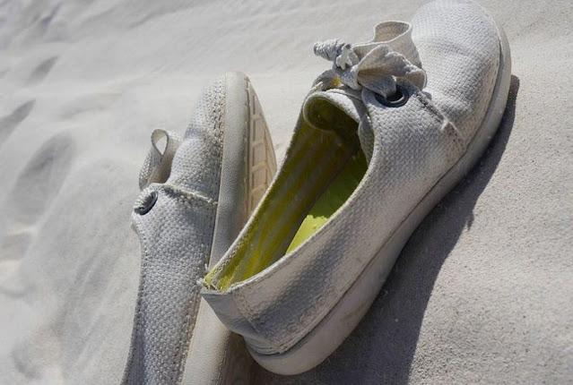 cara-mencuci-sepatu-putih