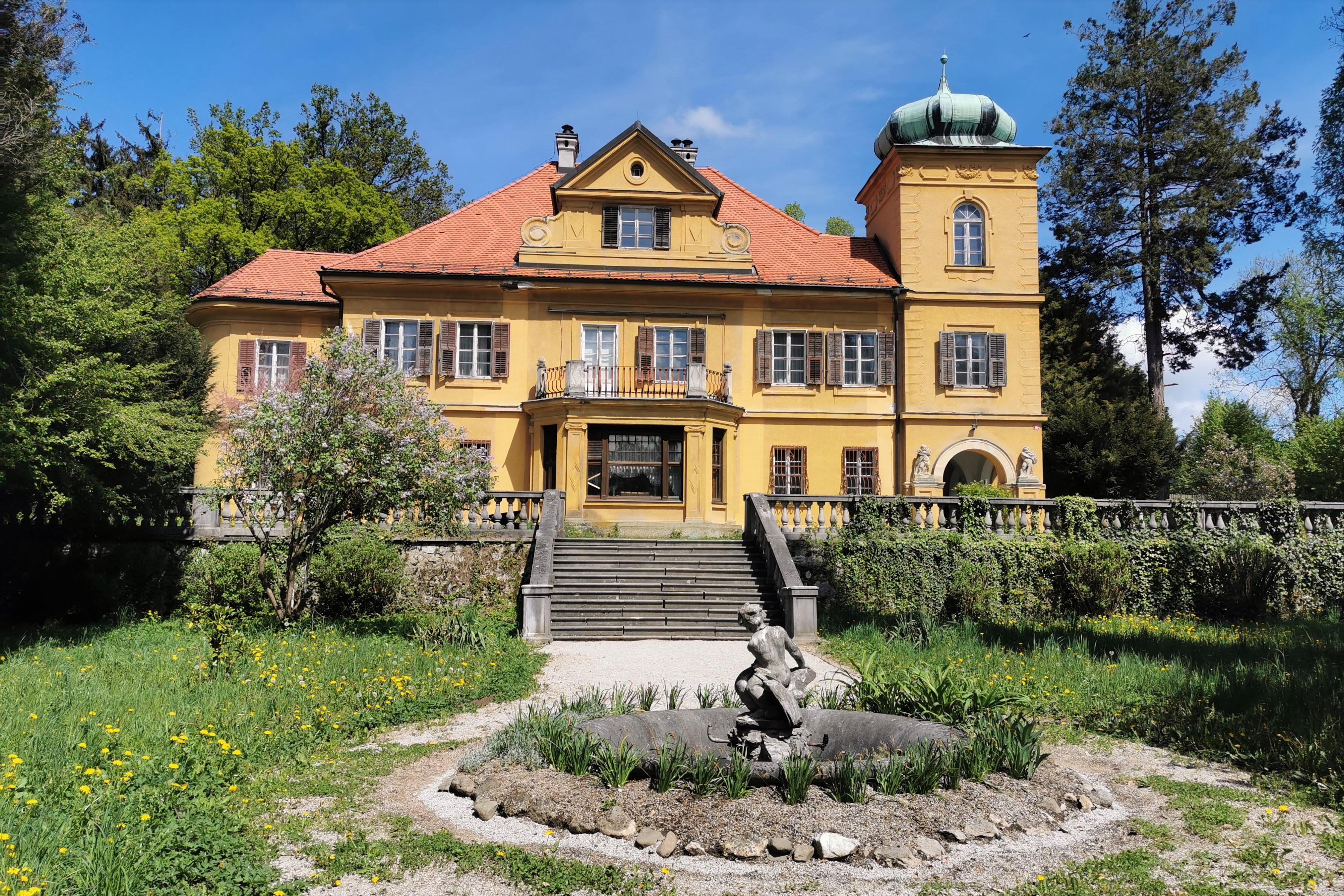 Dvorec Gutenbuchel Ravne pri Šoštanju