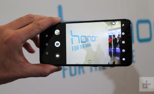 Mengintip Honor 10, Smartphone Premium dengan Kamera Gahar
