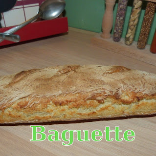 http://www.danslacuisinedhilary.blogspot.fr/2015/01/baguette-maison-home-made-baguette.html