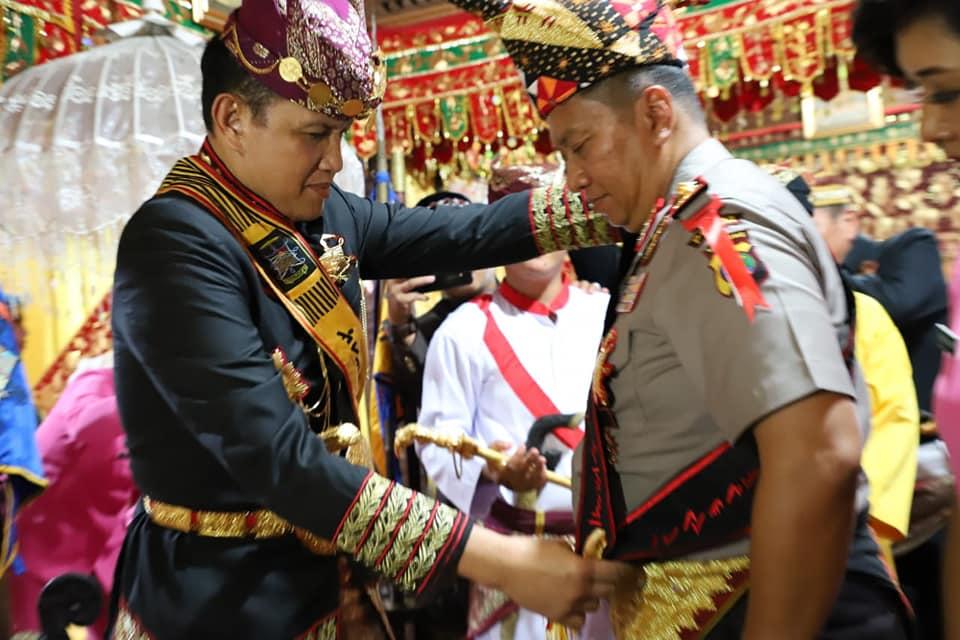 "Kapolda Lampung ""Angkon Muakhi"" Kerajaan Adat Kepaksian Pernong"