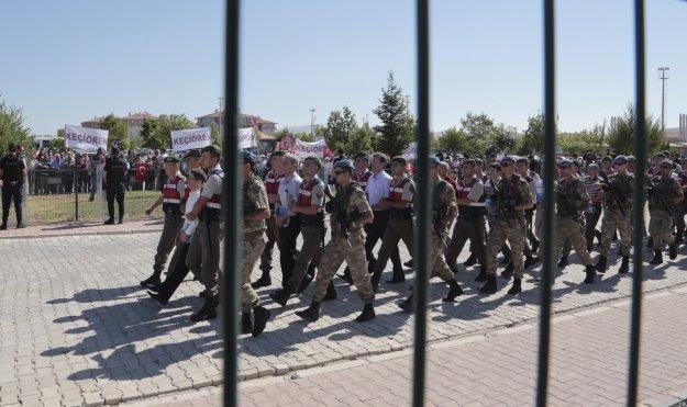 Τουρκία: Σύλληψη 61 στρατιωτικών για σχέσεις με το δίκτυο Γκιουλέν