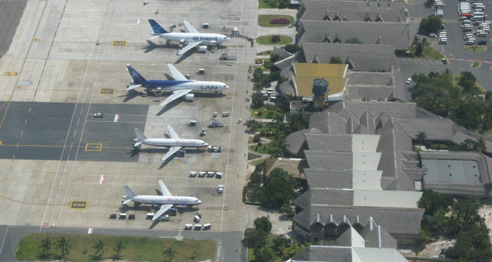 Migración retiene italiano en Aeropuerto de Puerto Plata por violar controles migratorio