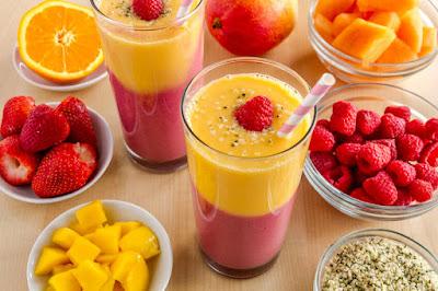 طريقة تحضير عصير التوت والمانغا