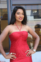 Mamatha sizzles in red Gown at Katrina Karina Madhyalo Kamal Haasan movie Launch event 099.JPG