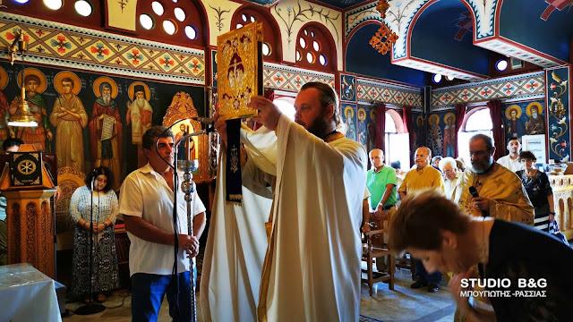 Πανηγυρική Θεία Λειτουργία στον Άγιο Νεκτάριο Εργατικών Κατοικιών στο Ναύπλιο (βίντεο)