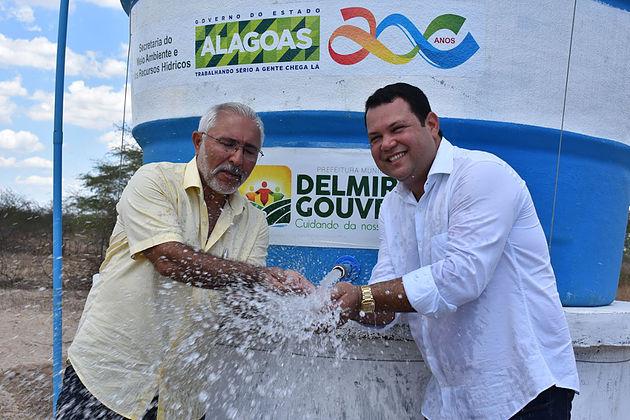 Prefeitura de Delmiro Gouveia entrega poço artesiano à população do Povoado Jurema