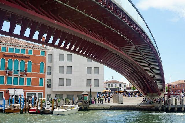 Calatrava-ponte-Costituzione-Venezia-canal-grande