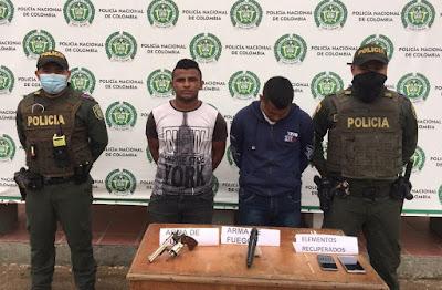 https://www.notasrosas.com/Detenidos con armas de fuego y elementos hurtados en el centro de Maicao