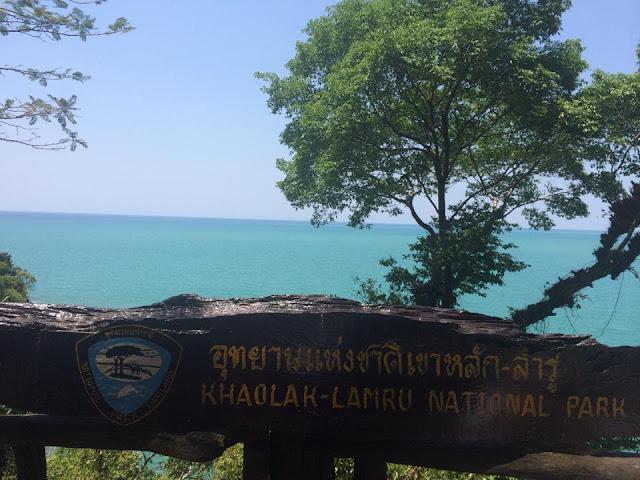 อุทยานแห่งชาติเขาหลัก-ลำรู่ เป็นสถานที่ท่องเที่ยวที่มีธรรมชาติที่สวยงาม ชายหาด ป่าชายหาด ป่าชายเลน และน้ำตก มีที่เที่ยวหลัก คือ น้ำตกโตนช่องฟ้า หาดเขาหลัก หาดเล็ก