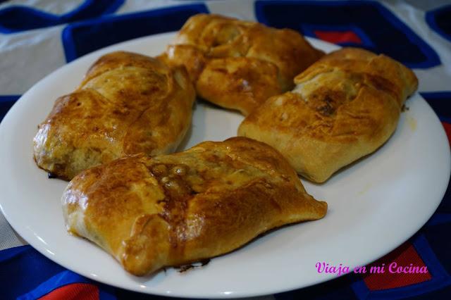 Empanadas chilenas rellenas de pino