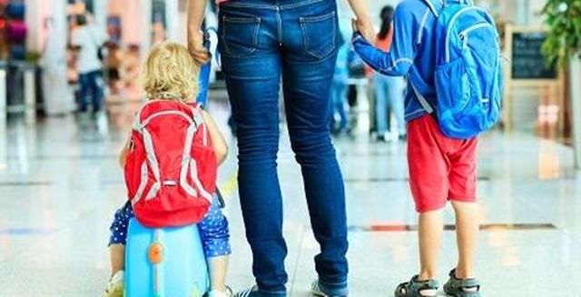 Tips Keluar Berjalan-jalan Bersama Anak Kecil