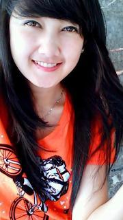 Gambar cewek Remaja Cantik Tersenyum